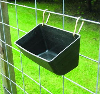 FENCE FEEDER WITH CLIPS - 11IN - BLACK - EACH